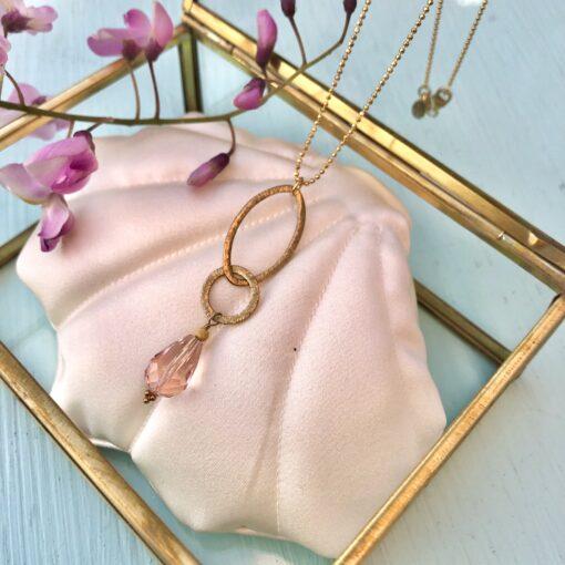 """Halskæde med krystal, i forgyldt sølv, sølv og oxideret sølv, """"Heather pink pearl"""""""