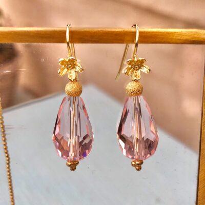 """Øreringe i sølv og oxideret sølv med krystal, """"Heather pink pearl"""""""