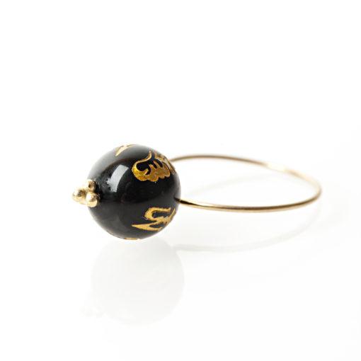 """Ring i guld, sølv og oxideret sølv, """"Black Chinese rose"""""""