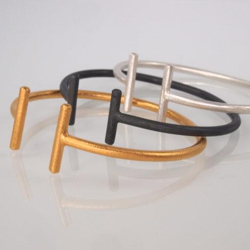 """Armbånd i guld, sølv og oxideret sølv """"Sunshine"""", fast bøjle. Dansk design fra -by Nina Skat"""