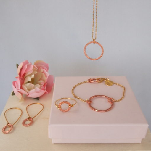 """""""Aster""""-halsKæde, øreringe, ring og øreringe i guld og kobber"""