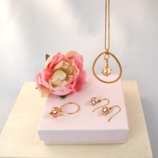 """""""Magnolia""""-Halskæde, ring og øreringe i guld, sølv og oxideret sølv"""