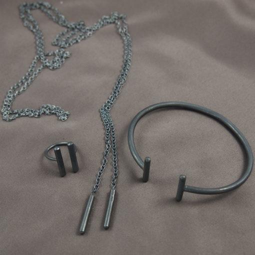 """Halskæde, choker, i oxideret sølv samt armbånd og ring """"Sunshine"""" fra -by Nina SKat"""