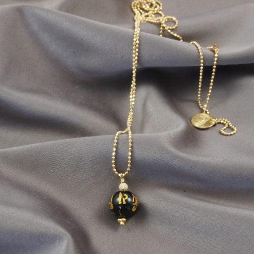 Black Chinese Rose- ægte halskæde med sort onyks