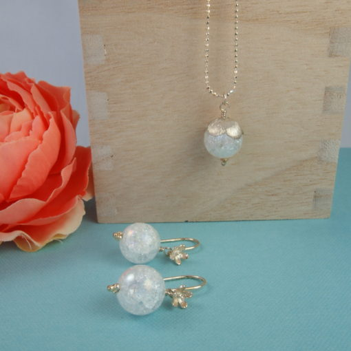 """""""Snowdrop"""" -halskæde og øreringe i sølv og oxideret sølv"""