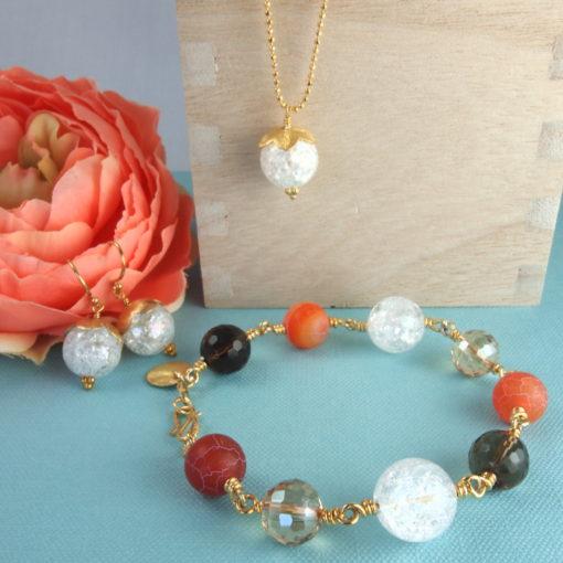 """Passionflower"""" -Armbånd og """"Snowdrop""""-halskæde og øreringe med ædelsten og krystaller, i guld, sølv og oxideret sølv"""