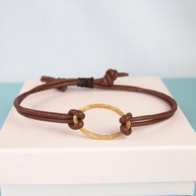 """""""Calla""""-Armbånd i brunt læder -FOTO"""