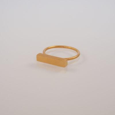 """Ring i guld, """"Moonlight"""" fra Simplicity-serien. Dansk design -by Nina Skat"""