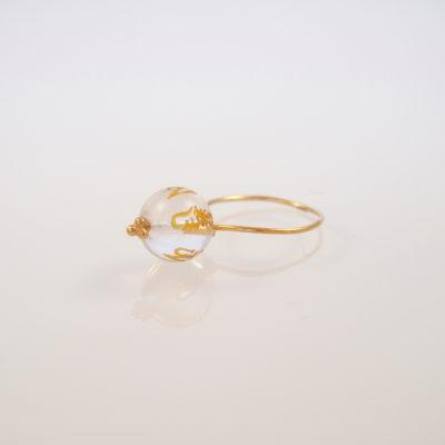 """Ring med krystal, i guld, sølv og oxideret sølv, """"Crystal Chinese rose"""""""