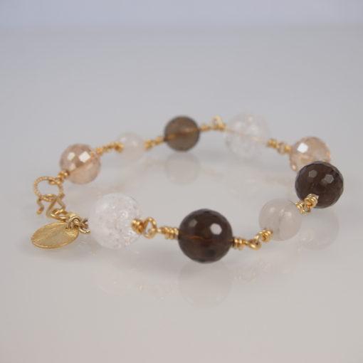 """Armbånd med ædelsten og krystaller, """"Peace Lily"""", i guld, sølv og oxideret sølv"""