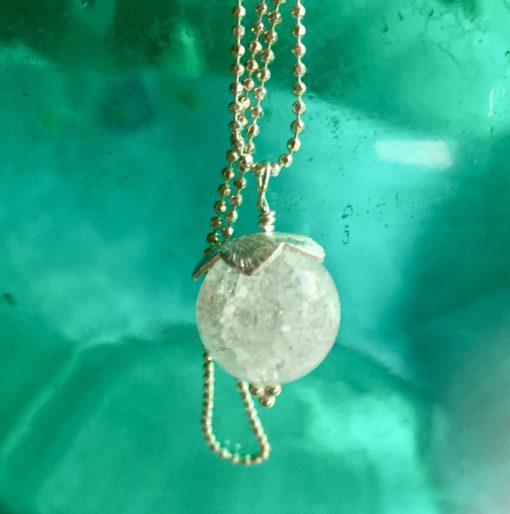 """Halskæde i sølv og oxideret sølv, """"Snowdrop"""" -Foto"""