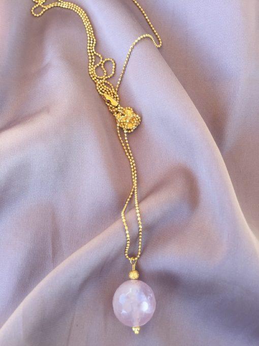 """""""Rose in the mist"""" -Halskæde med rosakvarts i guld, sølv og oxideret sølv"""