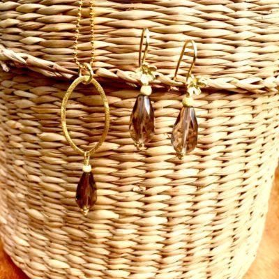 """Halskæde og øreringe i guld, sølv og oxideret sølv med røgkvarts, """"Heather pearl"""" -Foto"""