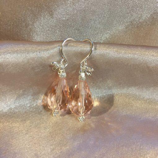 """Øreringe i sølv og oxideret sølv med krystal, """"Heather pink pearl"""" - by Nina Skat"""