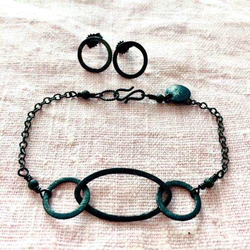 Rosemary -armbånd og øreringe i oxideret sølv, håndlavede smykker -Foto