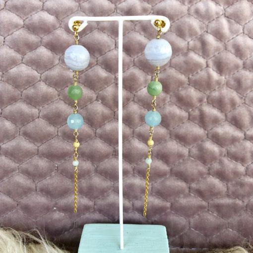 """Øreringe med blå jade og kalcedon, i forgyldt sølv, sølv og oxideret sølv, """"Blue Sky"""" -Foto"""