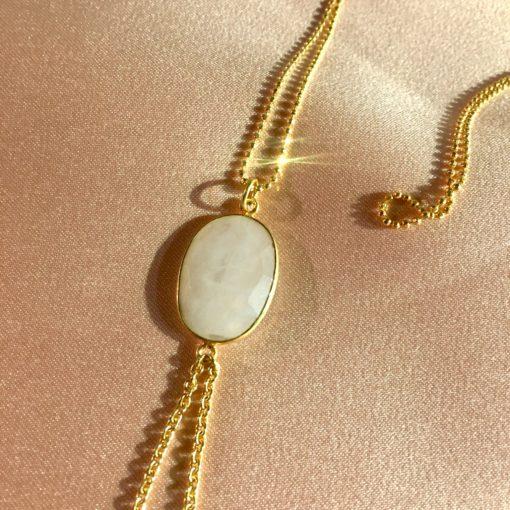 """Halskæde med månesten """"Moonstone"""" i forgyldt sølv -Foto"""