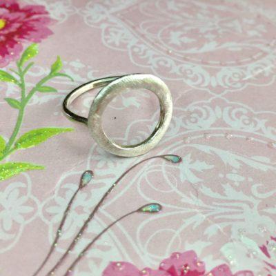 """Ring i sølv, """"Circle"""" -Foto"""