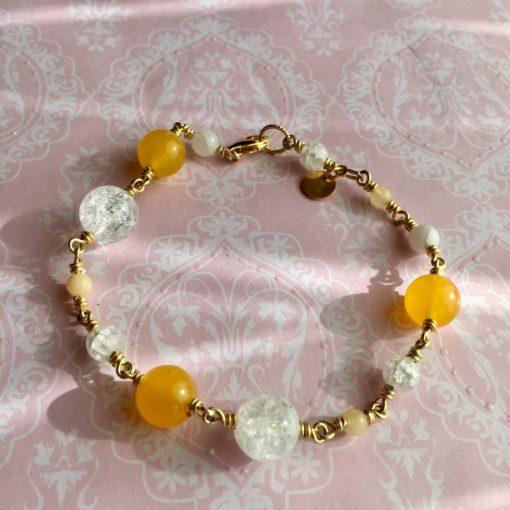 """Armbånd med ædelsten og krystaller, """"Yellow Love"""", i forgyldt sølv, sølv og oxideret sølv -Foto"""