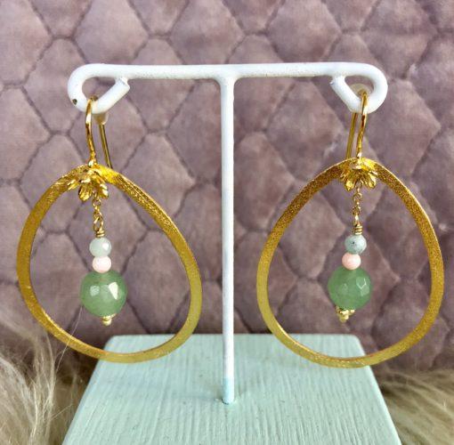 "Øreringe med jade, koral og amazonit i forgyldt sølv, sølv og oxideret sølv, ""Green joy"" -Foto"