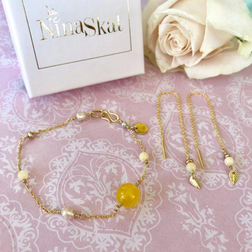"""Armbånd med jade og ferskvandsperler, i forgyldt sølv, sølv og oxideret sølv, """"Mini yellow love"""" -foto"""