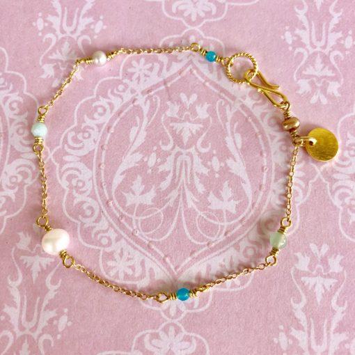 "Armbånd med små perler, ""Butterfly"" -Foto"