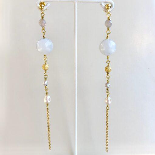 """Lange blålige øreringe med jade og perler """"Cool drops"""" -Foto"""