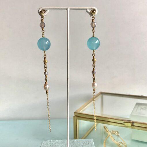 """""""Cool drops"""" Lange øreringe med jade og perler"""