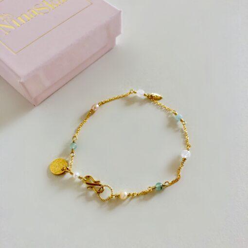 "Armbånd med små sten og krystaller ""Baby pearls 2"" -foto"