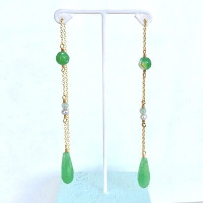 "Lange grønne øreringe med sten og perler ""Green summer"" -foto"