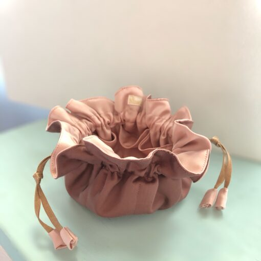 Smykkepose med 8 små rum i mange farvekombinationer